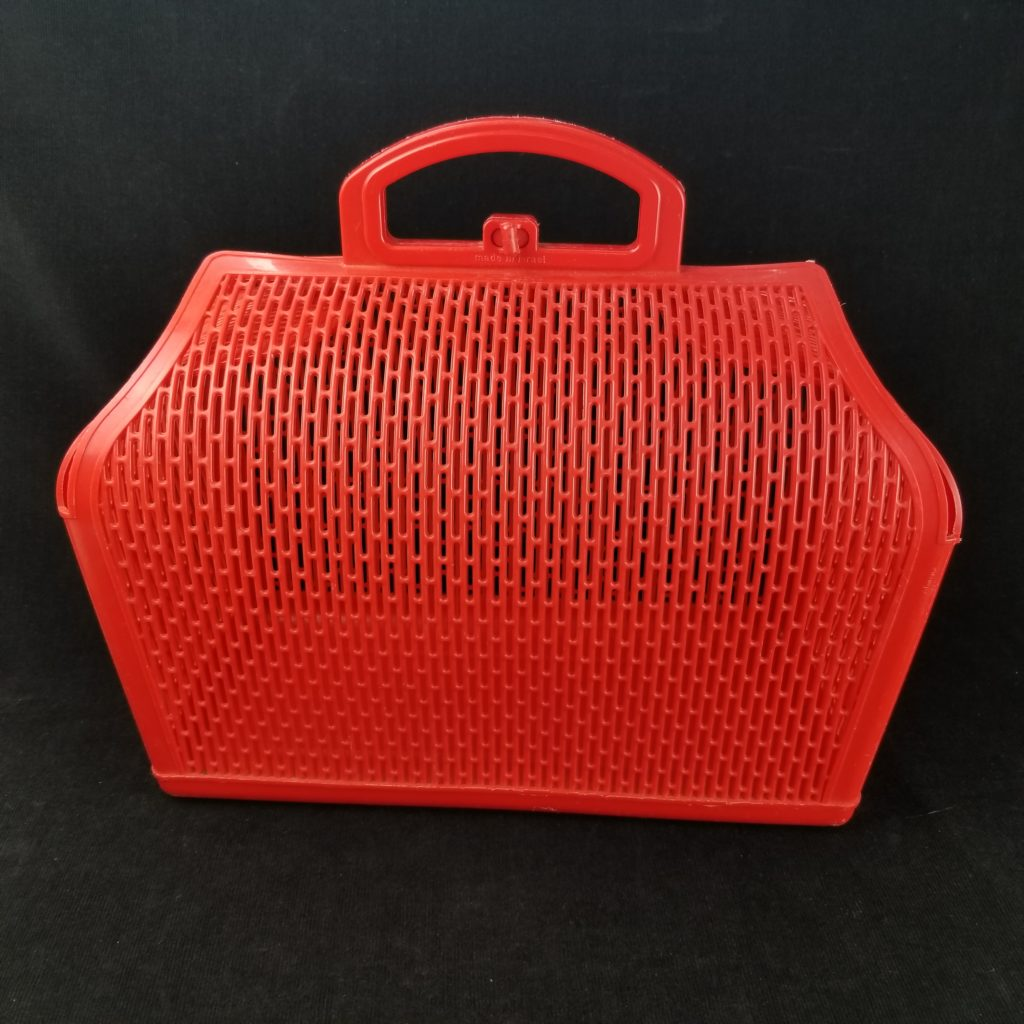 The perfect vintage plastic red tote. - Retell Seller