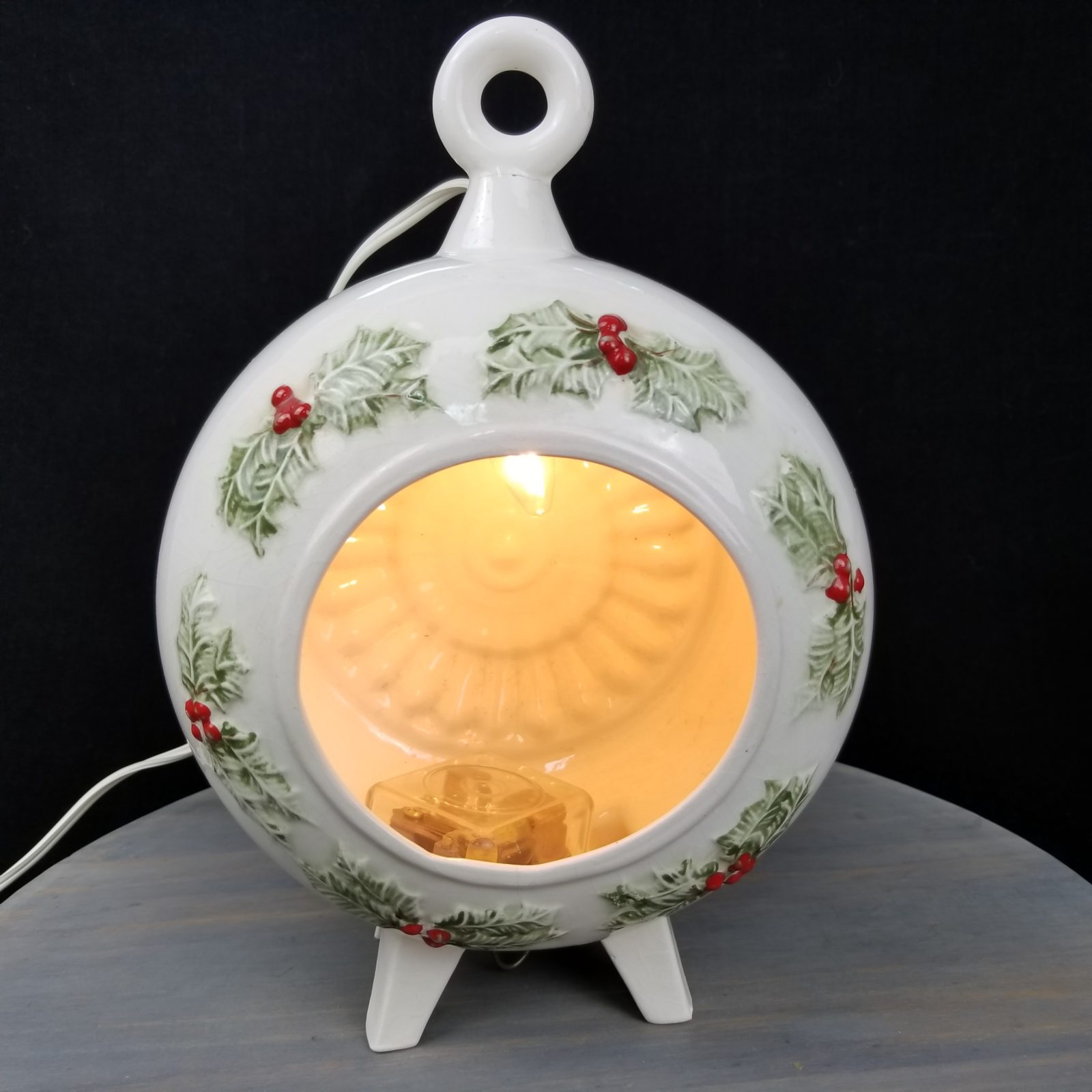 1970s Uniquely Handmade Christmas Lamp - Retell Seller
